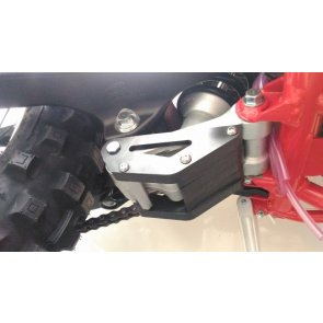 BETA RR 2T/4T REAR SHOCK LINKAGE GUARD PEHD